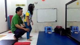 Fisioterapi Anak - (Youtube: Sara Mai)