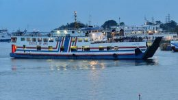 Kapal Feri di Pelabuhan Gilimanuk - www.merdeka.com